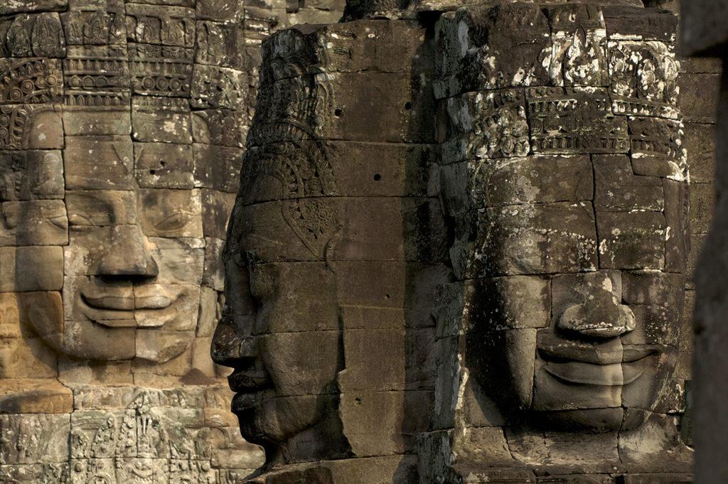 Visages de pierre du Bayon à Angkor