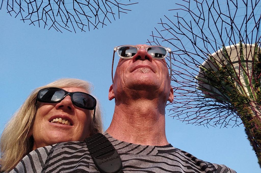 Chantal et Alain devant les Supertrees