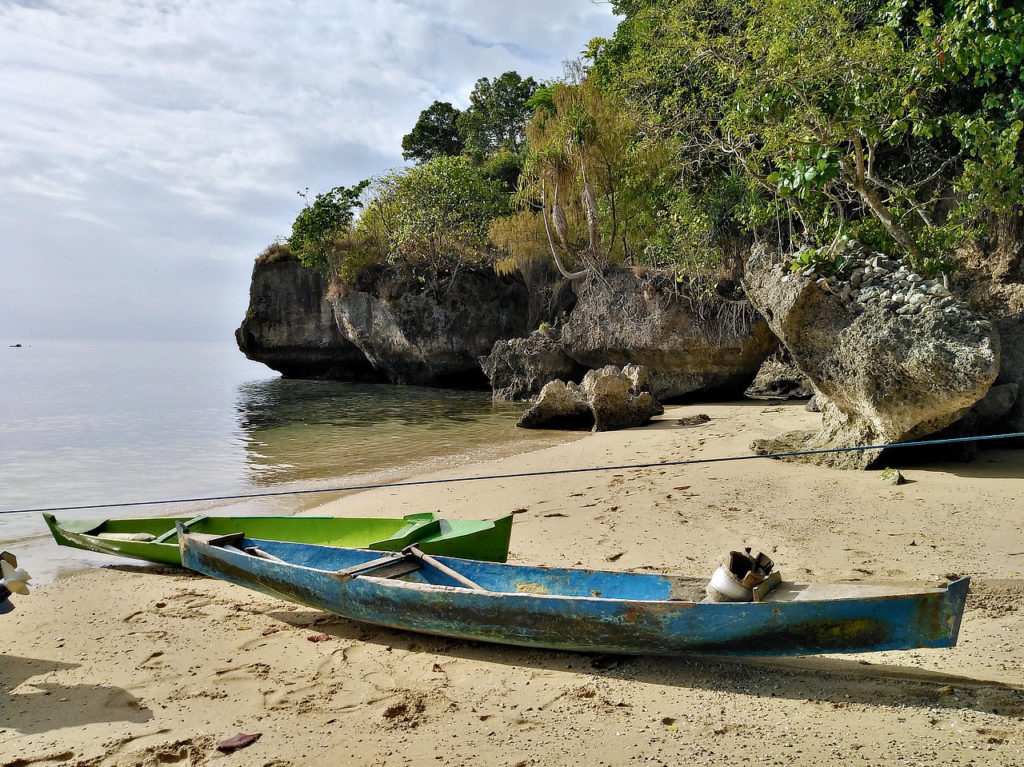 Bandaneira,Indonésie,Moluques,plage,Pulau Pisang,barques