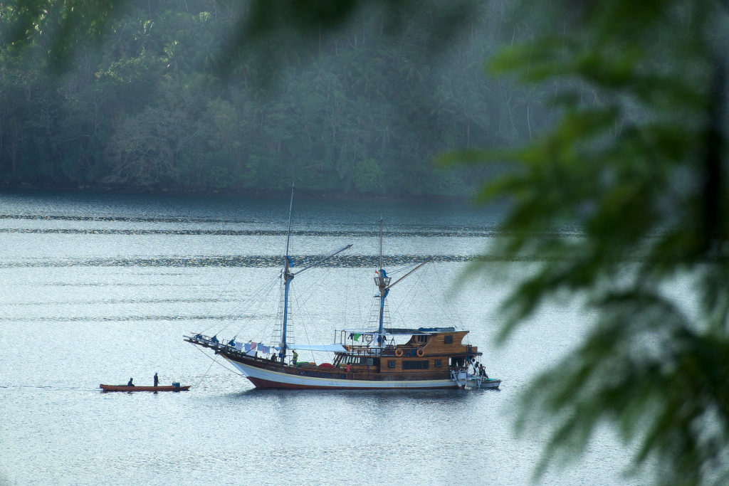 Bandaneira,Indonésie,Moluques,bateau,