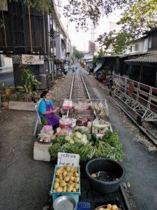 Vendeuse de légumes à Bangkok © Alain Diveu